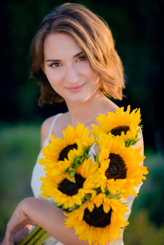 Senior Pictures Ideas with Sunflowers